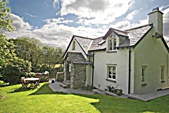 Self Catering - Broughton in Furness . Rose Cottage woodland 2